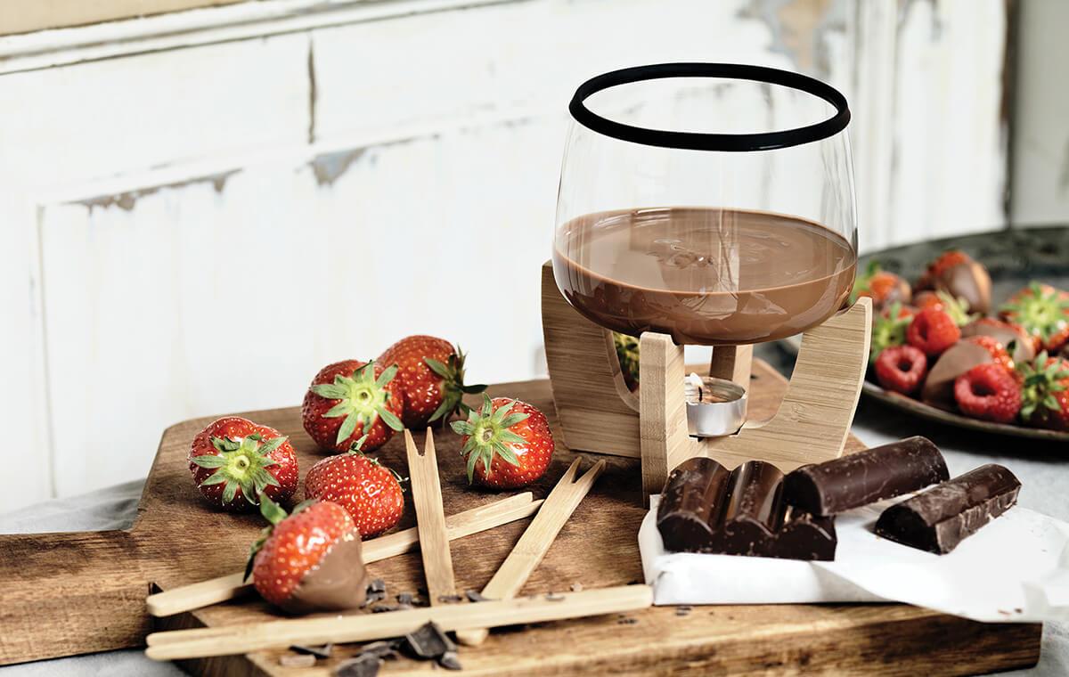 Cocoa: Chocolate Fondue Set by XD Design